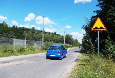 W najbliższych tygodniach droga powiatowa od strony Czyżówki do granicy z Gminą Bukowno zostanie gruntownie przebudowana (Fot.: Robert Siwek).