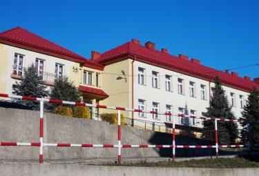 Szkoła Podstawowa w Psarach (Fot. Robert Siwek 2017).